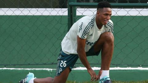 Yerry Mina, defensor colombiano.