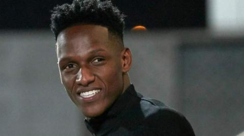 Yerry Mina, defensa colombiano del Barcelona.