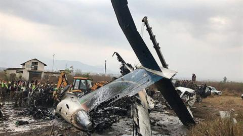 Restos del Avión accidentado en Nepal.