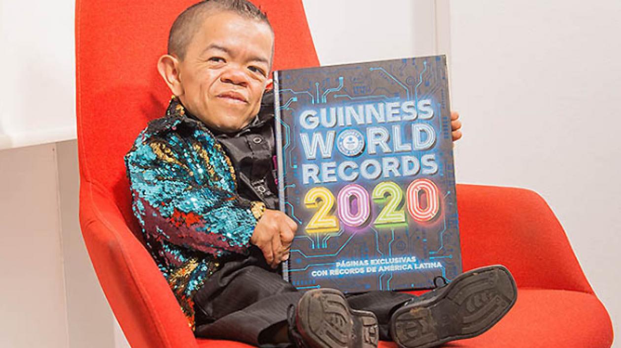 Un colombiano vuelve al Guinness Récords como el hombre más bajo del mundo  | Zona Cero