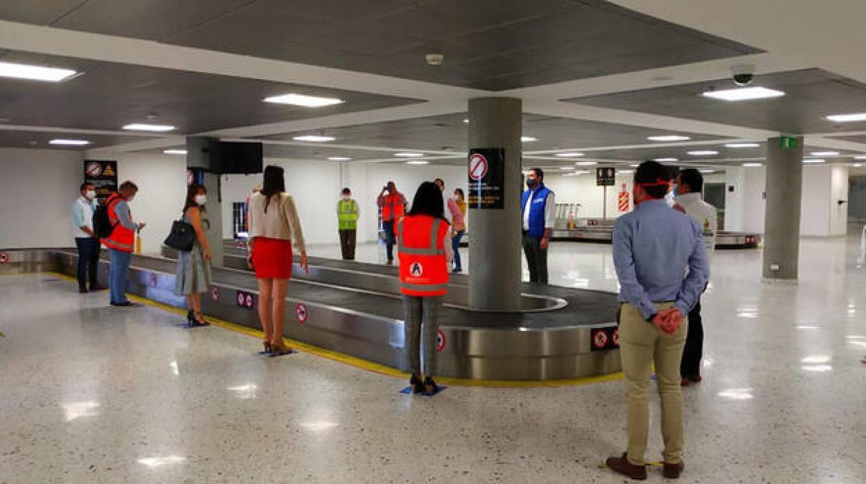 8 aeropuertos del país cercanos al 100% de los protocolos de ...