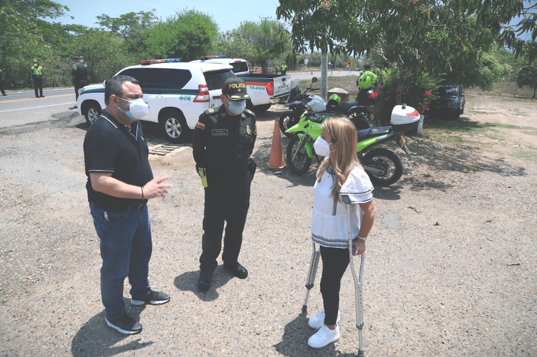 La Gobernadora Elsa Noguera, el Secretario del Interior, Yesid Turbay y el Comandante de Policía Atlántico, Coronel Hugo Molano.