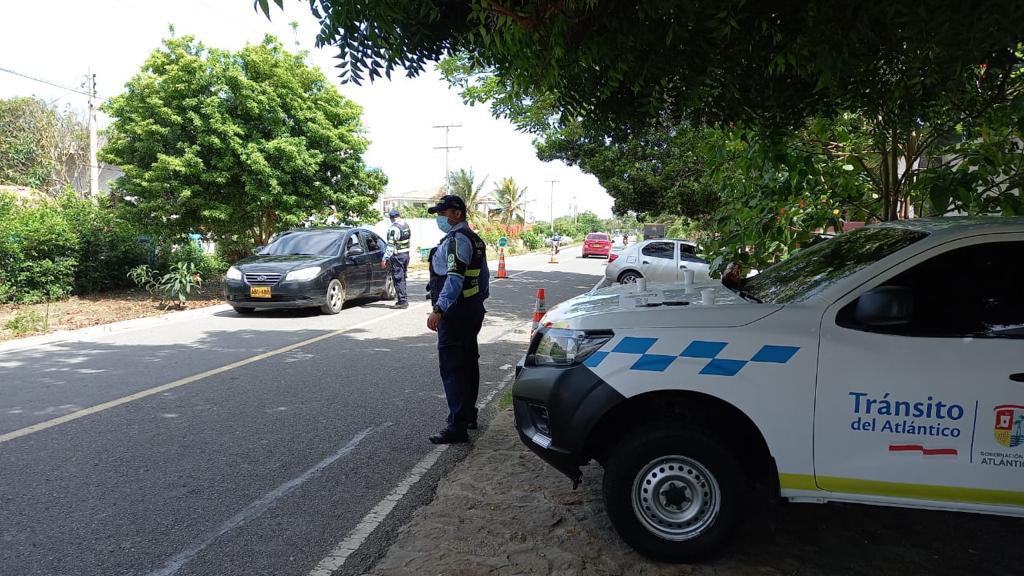 Agentes y promotores velarán por la seguridad vial en las playas, al tiempo que verifican el cumplimiento de las medidas de la Gobernación.