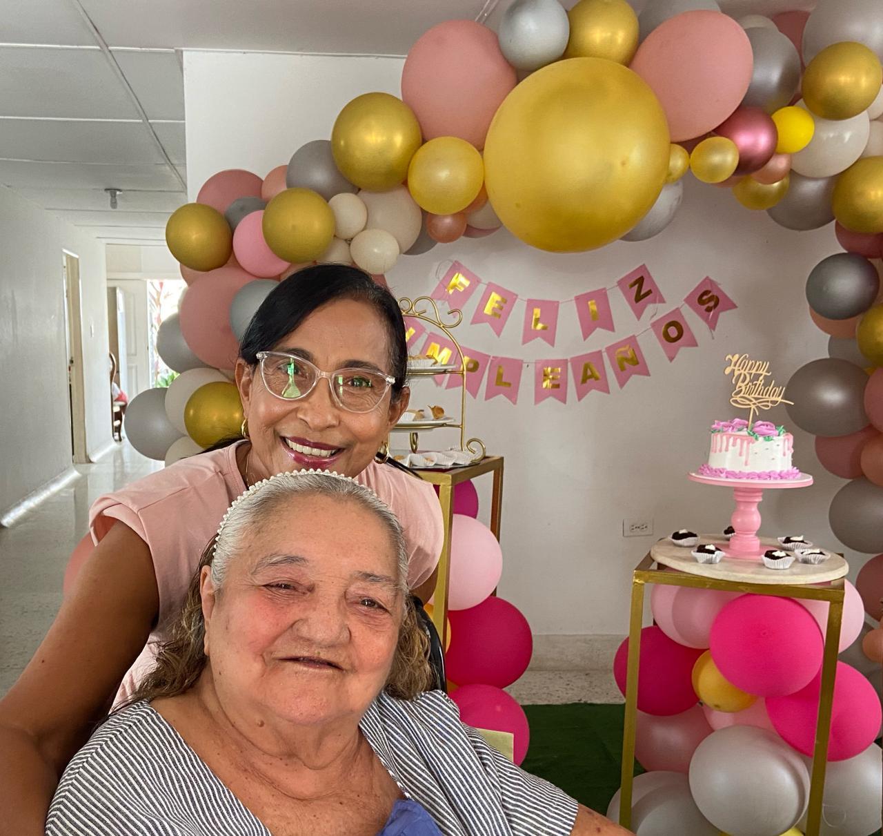 Elsy y Patricia Álvarez