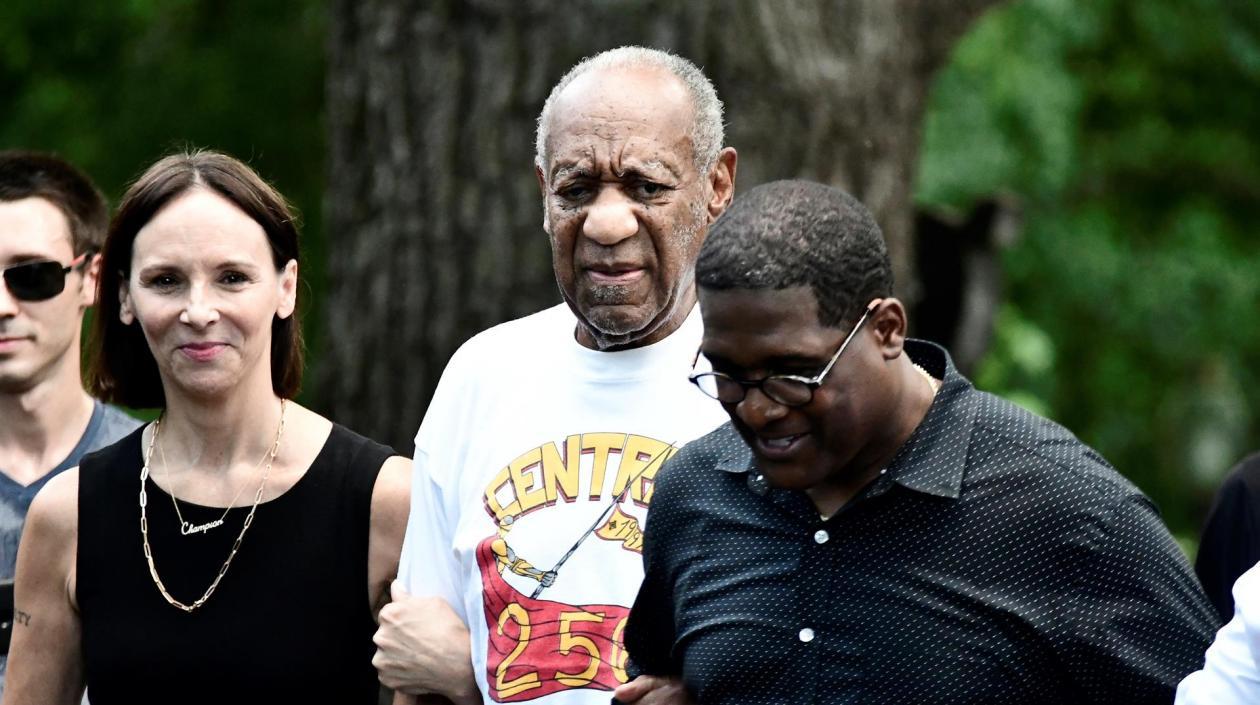 Bill Cosby salió de la cárcel después de que Tribunal anulara su condena de  10 años de prisión | Zona Cero
