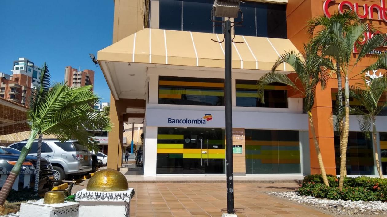 Bancolombia Country Plaza.