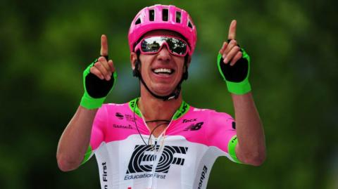 Rigoberto Urán, ciclista del equipo EF (Education First-Drapac).