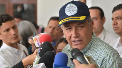 General Óscar Naranjo, vicepresidente.