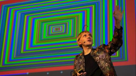El artista Neil Harbisson.