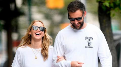 La actriz Jennifer Lawrence y su esposo Cooke Maroney.