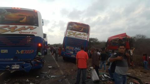 Dos de los buses accidentados son de la empresa Star.