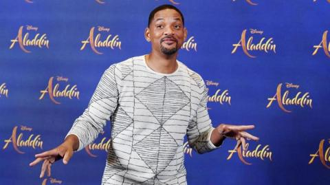 El actor que encarna al genio azul de Aladdín, Will Smith.