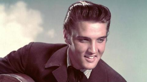 Elvis Presley, 'Rey del Rock and Roll'.