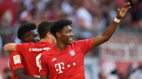 David Alaba celebra una anotación.