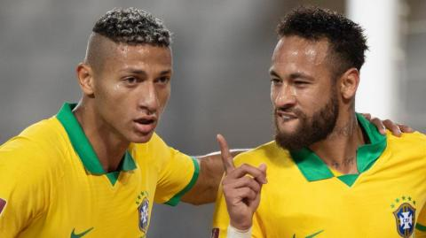 Richarlison y Neymar.