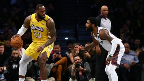 LeBron James y Kyrie Irving.