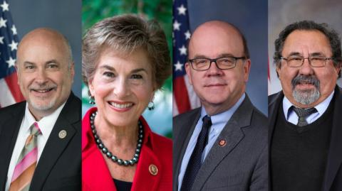 Mark Pocan, Jan Schakowsky, James P. McGovern y Raúl M. Grijalva, congresistas.